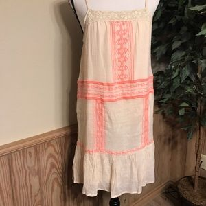 Flying Tomato dress embroidered size small cream